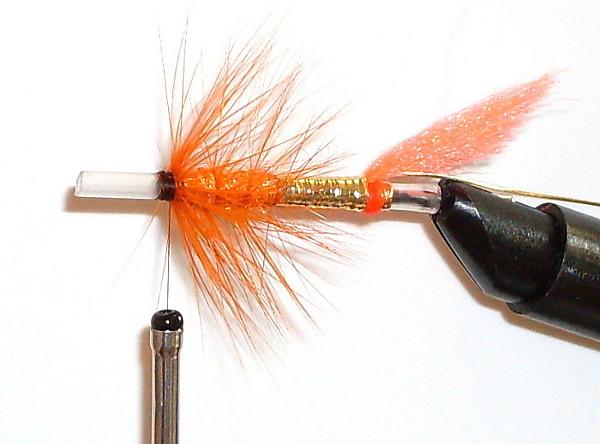 Вязание лососевой мушки